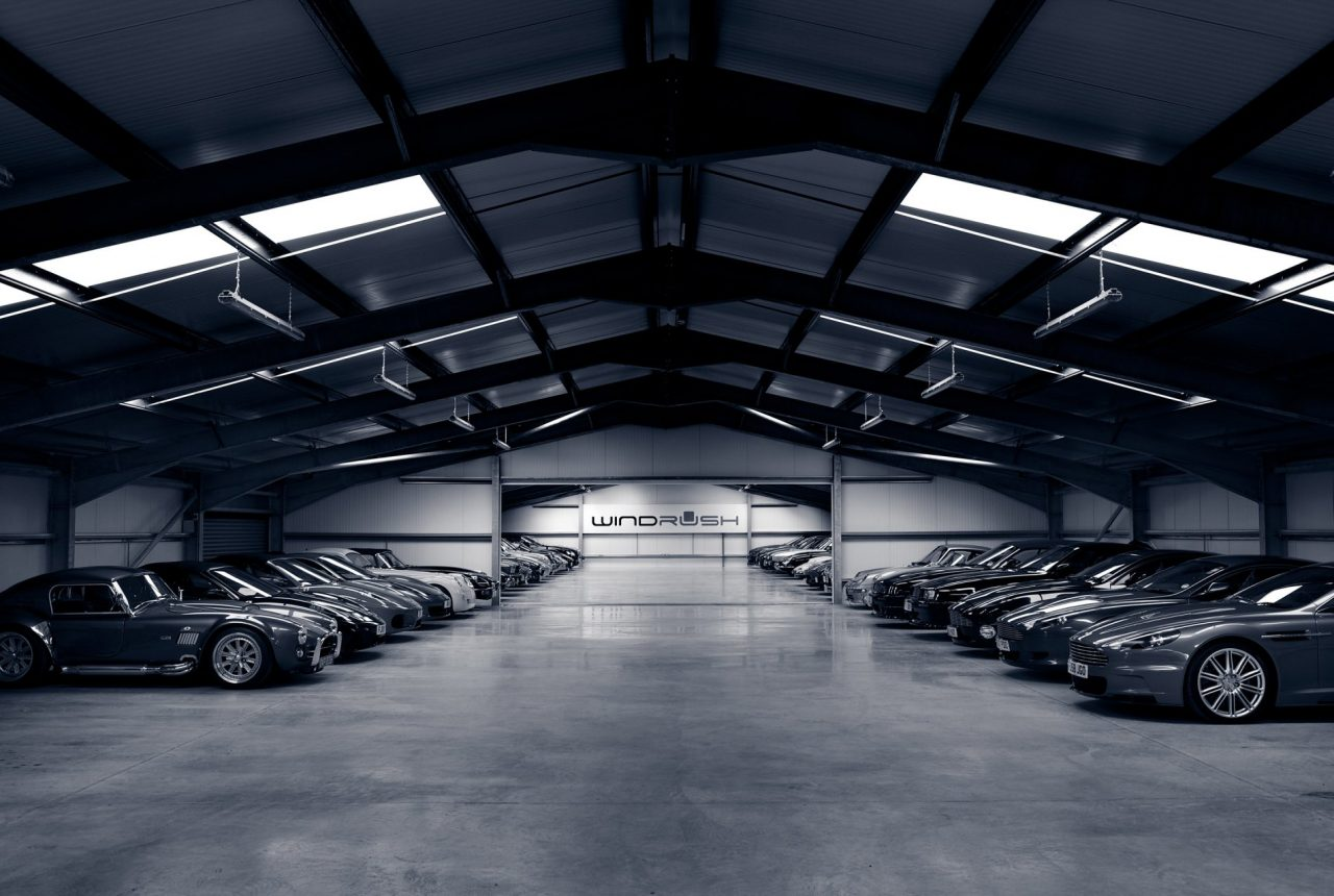 Автомобили Toyota на склад
